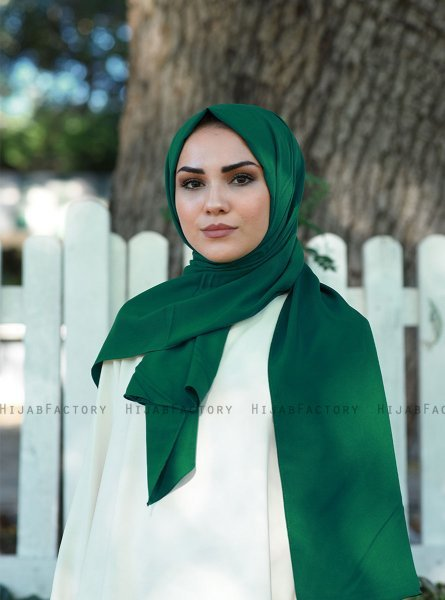 Alida - Dark Green Cotton Hijab - Mirach